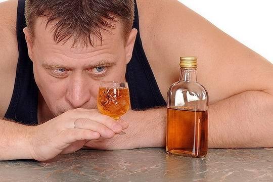 Только 15% россиян считают, что есть безвредные дозы алкоголя, которые не опасны для здоровья