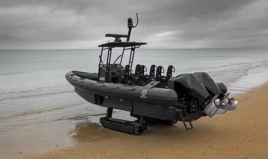 Французская компания Iguana готова представить для ВМС и аварийных служб новый катер-амфибию с рекордными характеристиками – Iguana Pro