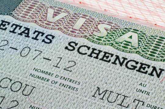 Европейский союз может рассмотреть приостановку выдачи шенгенских виз для белорусов из-за нелегальных мигрантов.