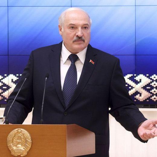 Беларусь признает Крым в составе России, когда «последний олигарх в России» начнет поставлять туда продукцию.