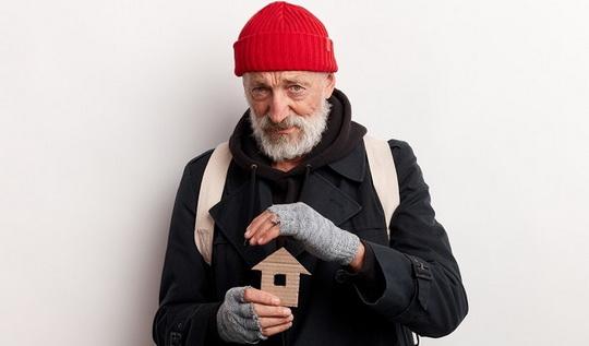 Правительство приняло решение разработать меры помощи бездомным
