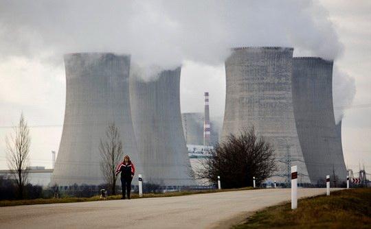 Президент Чехии Милош Земан подписал закон, исключающий возможность участия компаний из России и Китая в строительстве и последующем обслуживании нового энергоблока