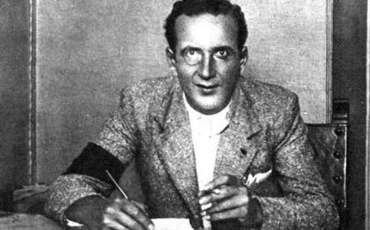Родившийся в Российской империи авантюрист Борис Скосырев в 1934 году прибыл в Андорру и предложил Генеральному Совету план реформ