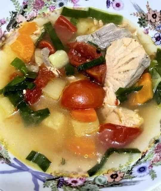А начинается вот такой суп обычно с простого и неожиданного