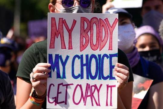 В США прошли массовые акции активисток за права женщин, протестующих против почти полного запрета абортов в Техасе.