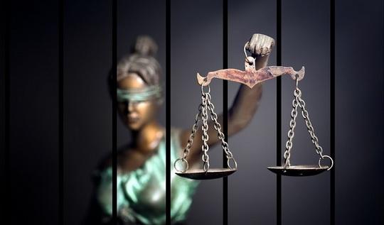 Новая Госдума рассмотрит ранее вынесенный на обсуждение законопроект о пожизненном заключении для педофилов.
