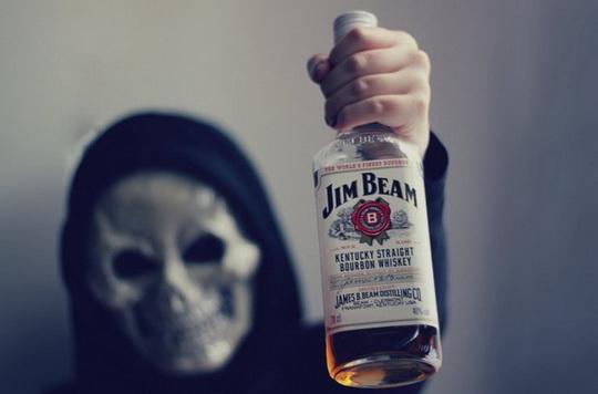 В Оренбургской области 34 человека умерли от отравления суррогатным алкоголем. В бутылках оказался метиловый спирт.